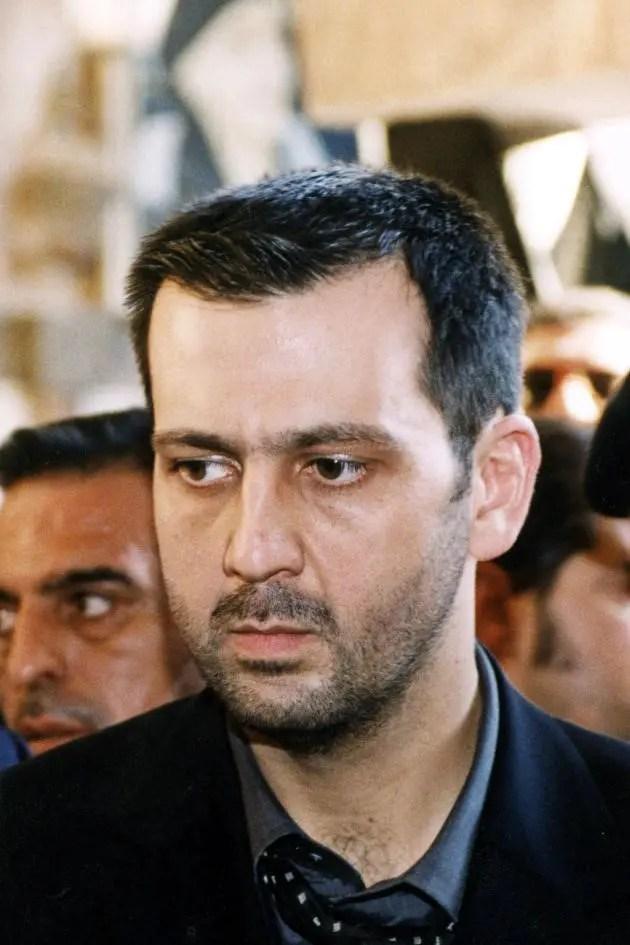 Maher Al-Assad, lors des obsèques de son père Hafez, à Qardaa, berceau de la famille (nord-ouest de la Syrie), le 13 juin 2000.