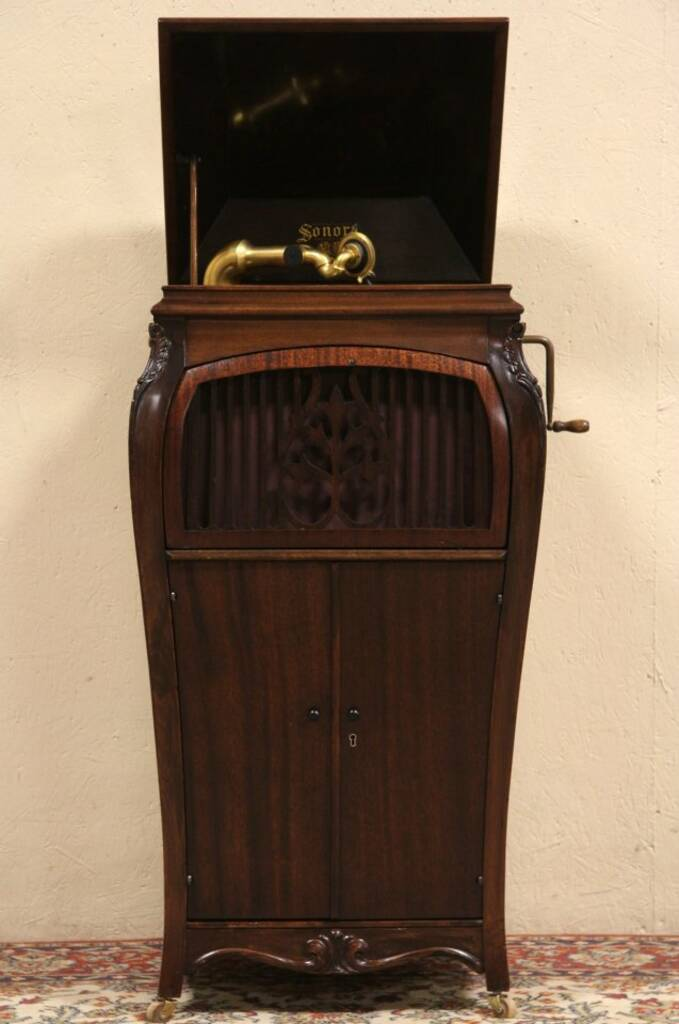 SOLD Sonora Antique 1915 Phonograph Wind Up Record