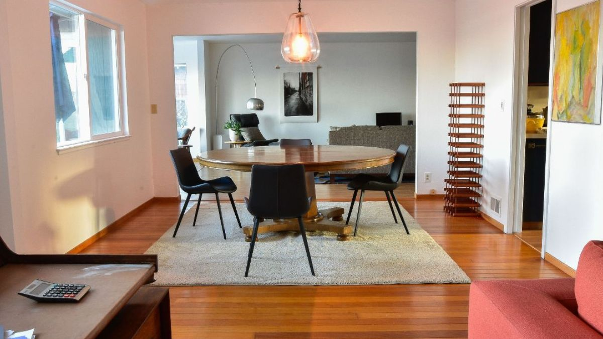 Dining table and chairs with decor