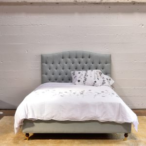 Queen Size Upholstered Bed Tufted