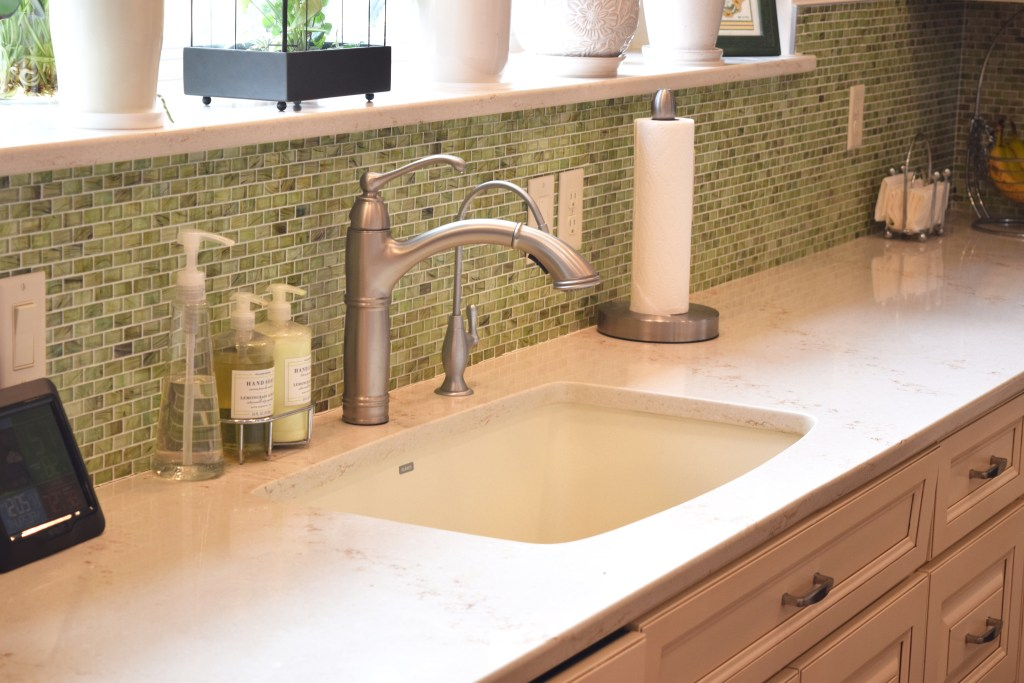White Kitchen with Green Tile Backsplash (K-92)