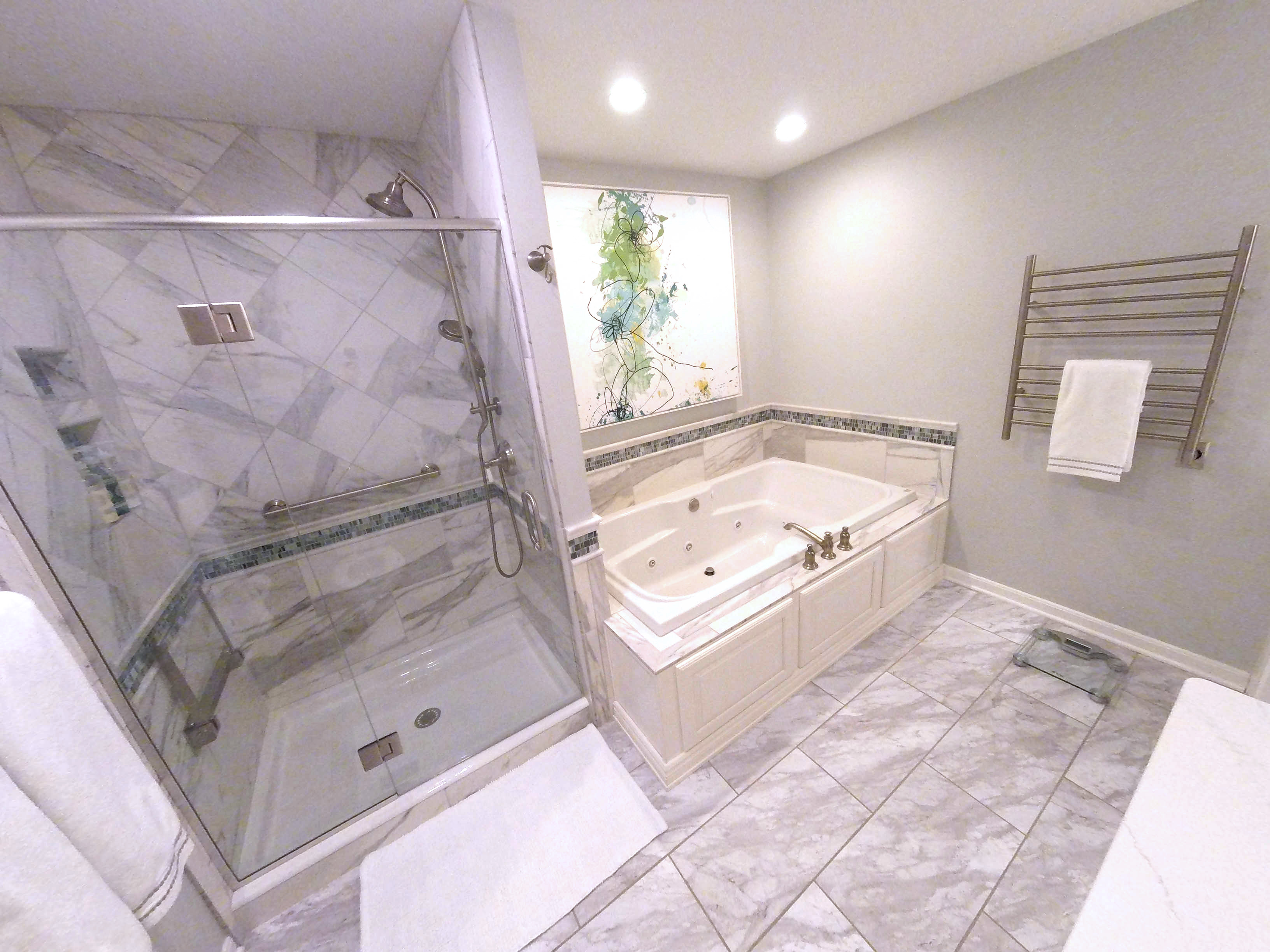 Luxurious Spa Like Master Bath (B 113)