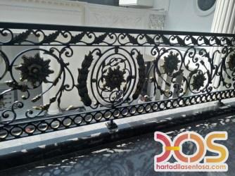 Railing Balkon Besi Tempa Klasik Mewah Modern (85)