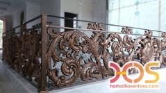 Railing Balkon Besi Tempa Klasik Mewah Modern (97)