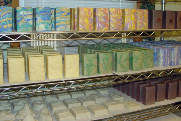 How To Cut Homemade Soap Into Bars Successfully Without Crumbling