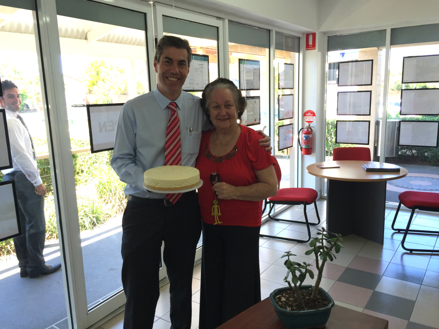 Cheesecake-Lady sold her property safely after choosing harts property