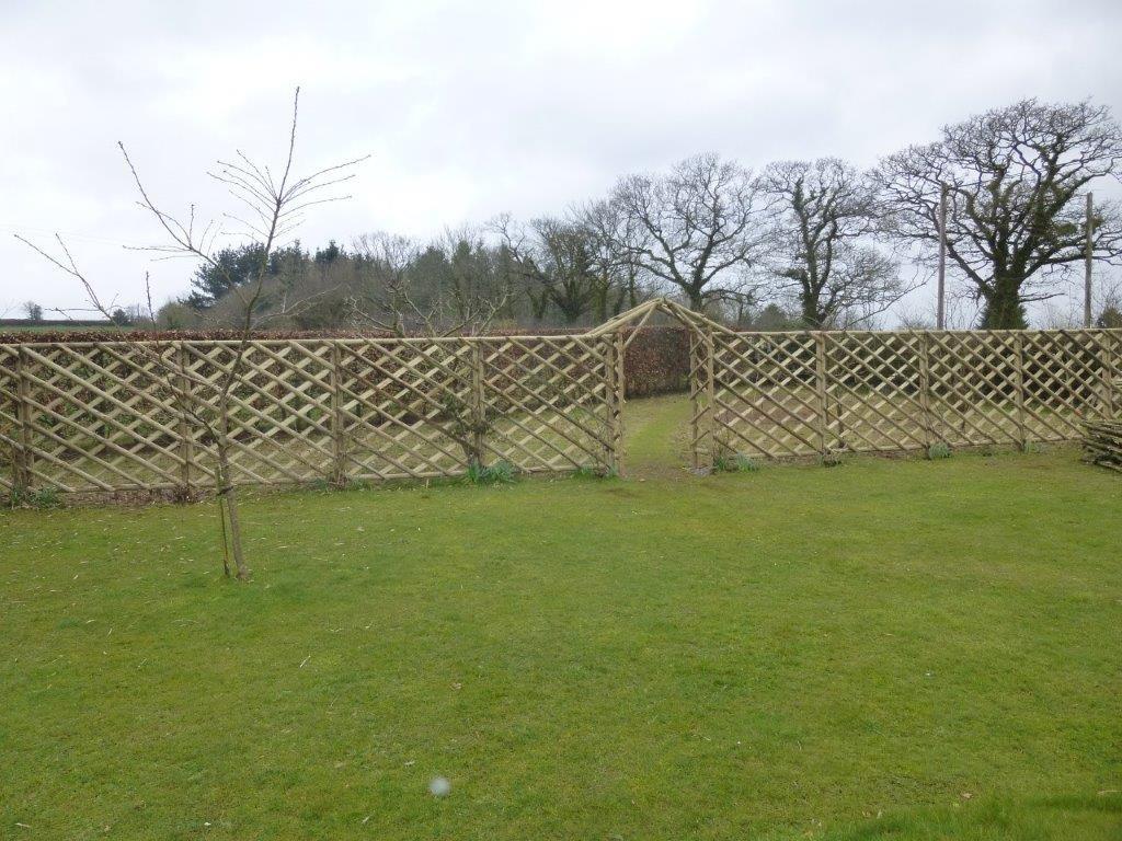 Rustic Trellis Panels - Hartwells Fencing