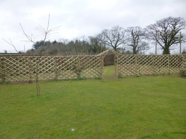Rustic Trellis and Rustic Arch
