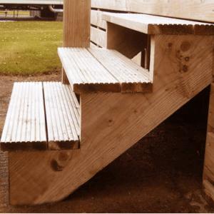 3 step stringer for decking