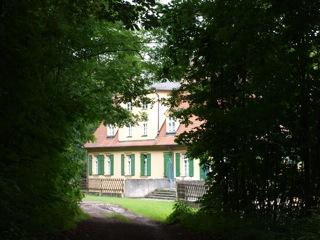 Bild: Das Schloss der Familie von Knigge in Harkerode im Unterharz.