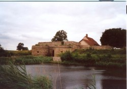Bild: Festungswerke und Bastionen der Wasserburg Heldrungen.