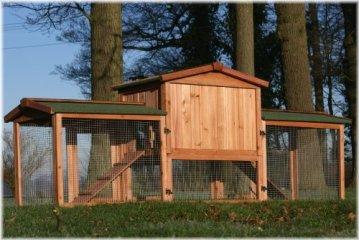 Der Zooprimus Kaninchenstall XXL & Hasenstall XXL in seiner gesamten Breite. Achte beim Kaninchenstall kaufen udn Hasenstall kaufen auf die richtige Größe.