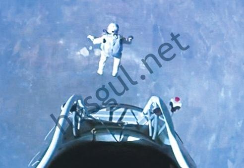 Felix Baumgartner uzaydan dünyaya atladı!