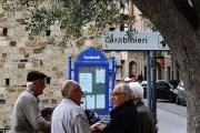 فنان إيطالي يحوّل قرية إلى مواقع للتواصل الإجتماعي