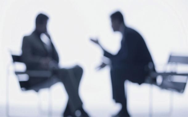 أشخاص يرفضون النصيحة ويفضلون خوض التجربة بأنفسهم