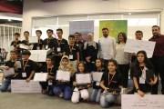 هكذا أبدع وعرض 19 طالبا أردنيا مشاريع لتطبيقات ذكية على