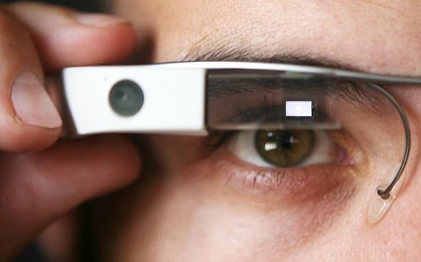 الجيل الثاني من نظّارة جوجل الذكيّة متوافر الآن للشراء مقابل 1800 دولار
