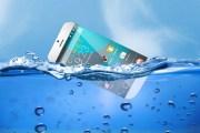 هذا ما ستفعله عند انسكاب الماء على هاتفك الذكي
