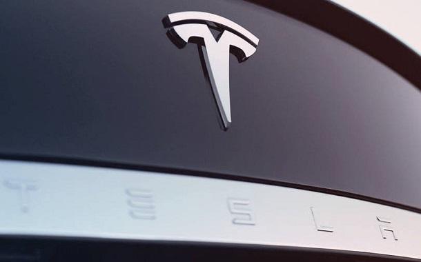 تيسلا ستكشف عن شاحنة كهربائية في 26 أكتوبر