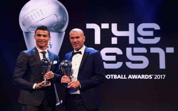 رونالدو أفضل لاعب في العالم للمرة الخامسة