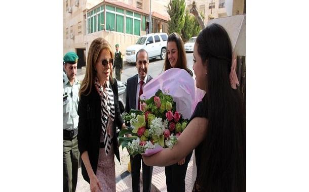الملكة نور تفتتح المبنى الجديد لإدارة معهد العناية بصحة الأسرة