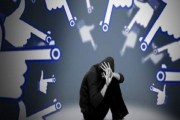 تحذير بريطاني صادم: شبكات التواصل تُحول الأطفال لمجرمين