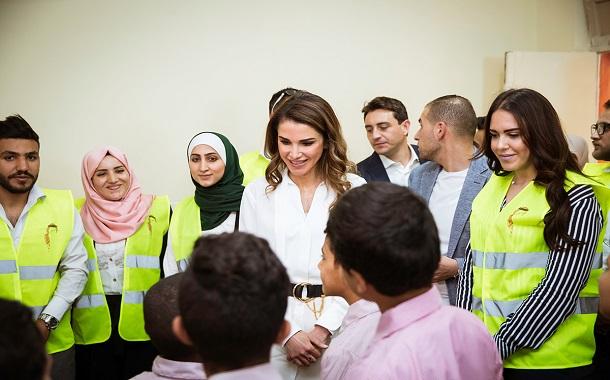 الملكة رانيا تزور جمعية دار الأيتام الأردنية في ماركا