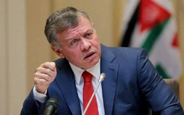 الملك يوعز بوقف قرار تعديل أسعار المحروقات والكهرباء