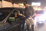 هكذا استقبل رجال المرور قائدات المركبات بالسعودية........