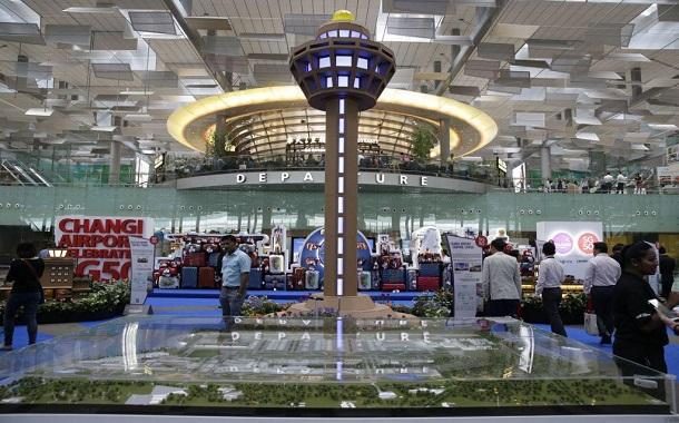 مطارات ذكية تحتضن المزيد من المسافرين