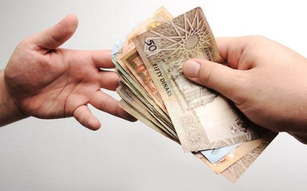 الخلايلة: توزيع 1.2 مليون دينار على أسر فقيرة