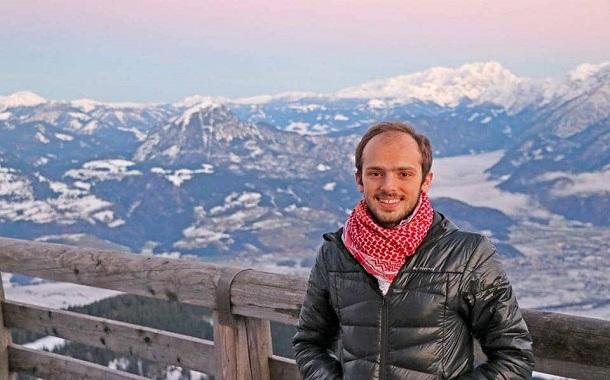 الرحالة الشاب قاسم الحتو ...... السفر أسلوب حياة وفرصة لإكتشاف النفس والتعلّم