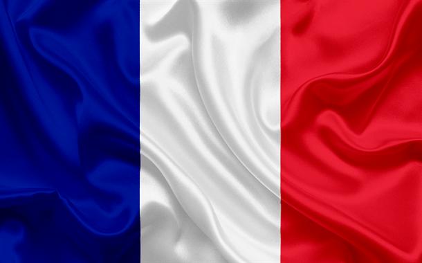 فرنسا تحظر الهواتف المحمولة في المدارس