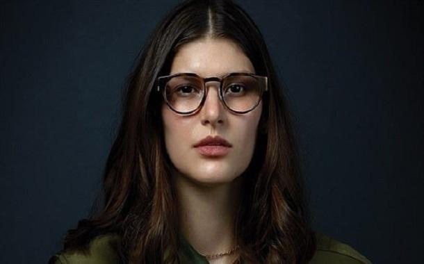 شركة كندية تطور نظارة ذكية صحية