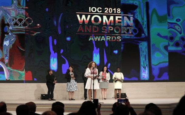 سمر نصار تفوز بجائزة المرأة والرياضة من اللجنة الأولمبية الدولية