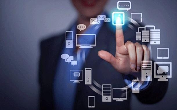 ''تسونامي'' التكنولوجيا يحتم على الحكومات مواكبة التقنية الحديثة