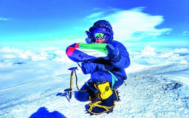 أول إماراتية تتسلق جبل دينالي....... ما هي مغامرتها القادمة؟