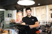 ريادي أردني ينقل تجربة القهوة الأوروبية للأردن