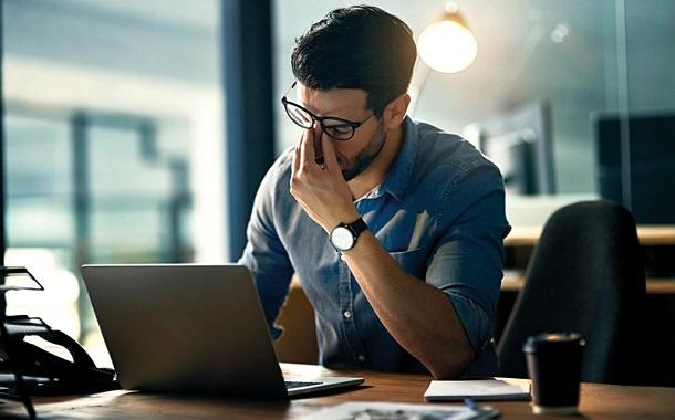 10 آليات تقلل من التوتر في العمل
