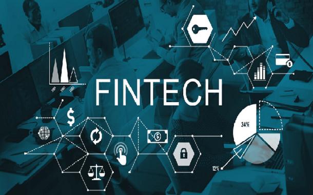 """""""الفينتيك"""" تقنية جديدة تسهل تعامل الأفراد مع القطاع المالي"""