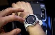ساعة ذكية مخصصه لسيارات مرسيدس