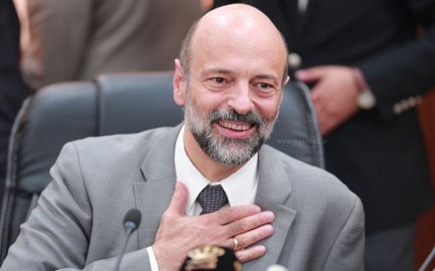 الرزاز يعتذر: الحكومة تأسف لأي حدث انتقص من كرامة المعلمين
