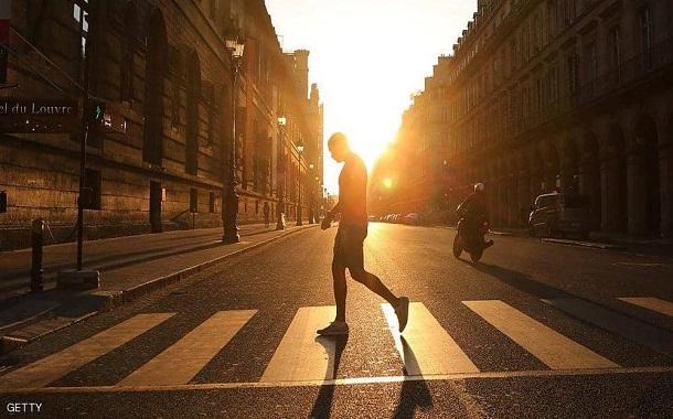 المشي 15 دقيقة يمنح العالم 100 مليار دولار