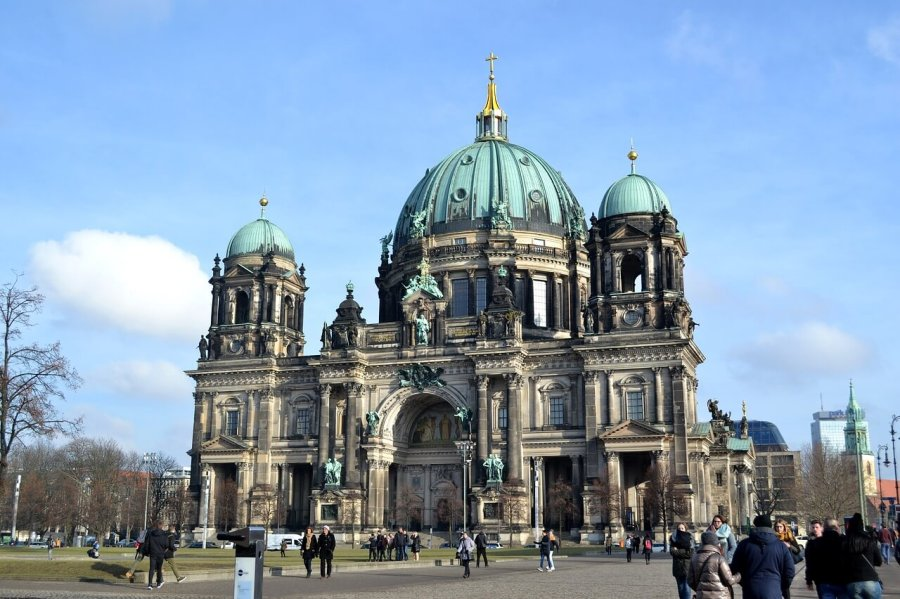 If you don't know what to do in Berlin, read my blog with my top 11 tips. I will also tell you more about my favourite building in Berlin, the Berlin Cathedral Church.