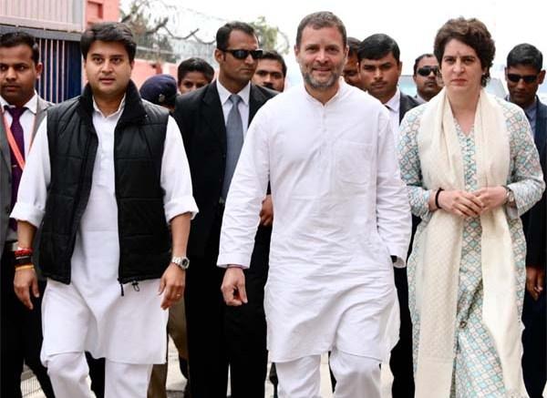 Priyanka Gandhi begins roadshow in Lucknow with Rahul, Scindia