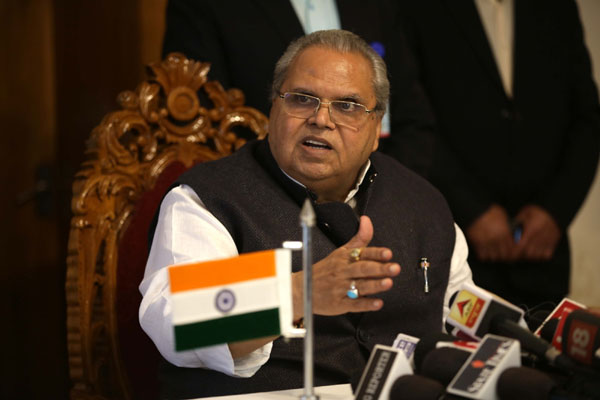 Jammu: Jammu and Kashmir Governor Satya Pal Malik addresses a press conference in Jammu on Nov 22, 2018. (Photo: IANS)