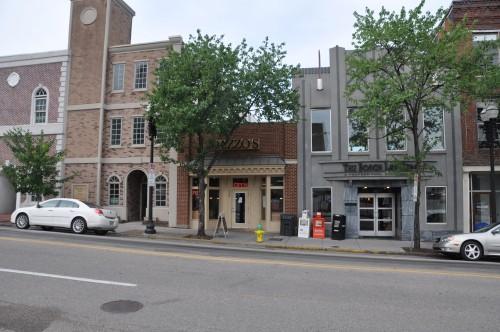 710 Gay Street, Dazzos Pizza