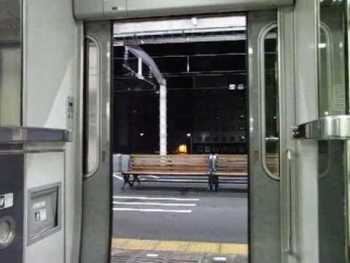 JR東海373系のドア閉動画