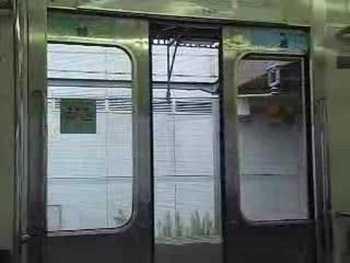 JR東日本415系1500番台のドア閉動画