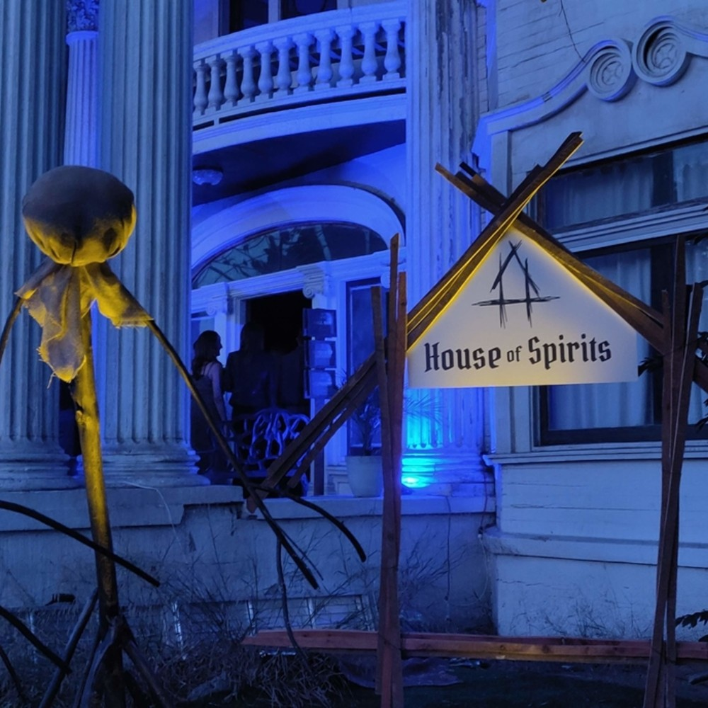 Meyer2Meyer - House of Spirits - Immersive Horror - Dinner and Drinks - Los Angeles - New York